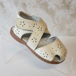 Other - Girls Toddler Fisherman Sandals Sz 11 Eyelet White